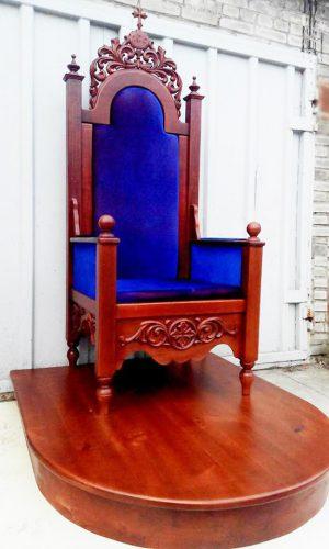 Трон для Владыки (синий бархат) с подставкой