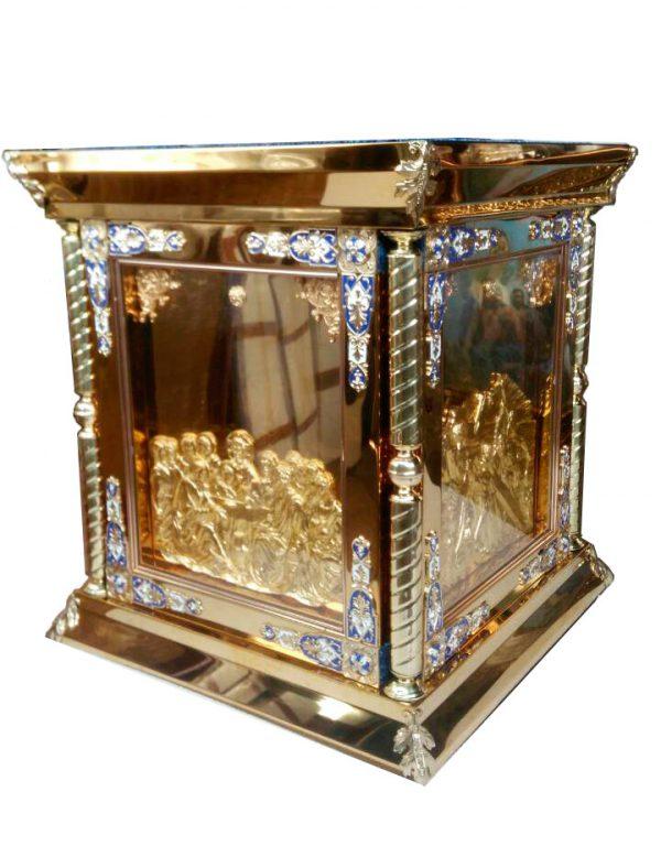 Облачение на престол 80 на 80см для храма с литьем икон за стеклом