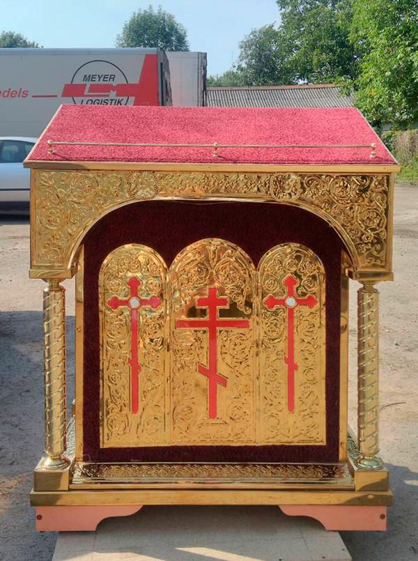 Тетрапод центральный для храма с чеканкой на бархате (три креста)