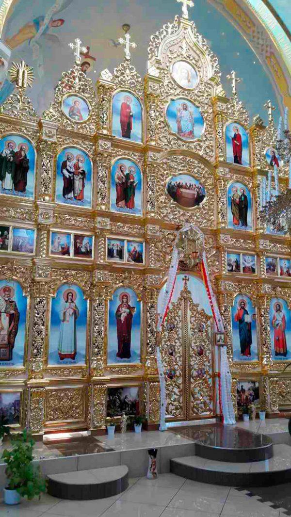Большой иконостас для храма под заказ