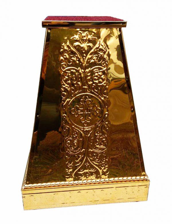 Подставка под хоругву или крест запрестольный с чеканкой