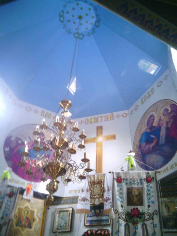 Сводная часть храма с натяжным потолком