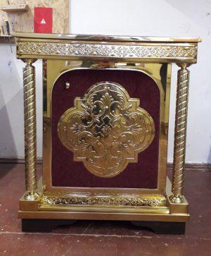 Жертвенник православный с дверцей на булате с бархатом