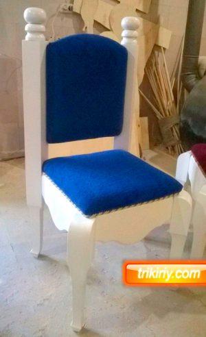 Кресло для храма со спинкой