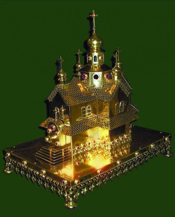 Дарохранительница - уменьшенная копия вашего Храма