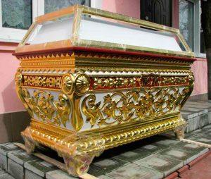 Гробница из резного дерева для плащаницы Христа Спасителя