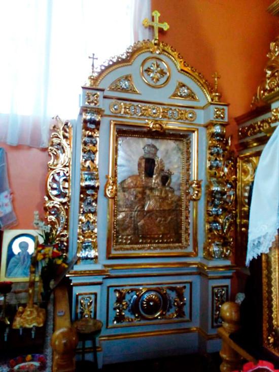 Напольный киот церковный высотой 3.5м с крестом