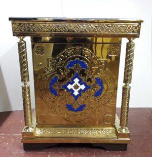 Жертвенник из металла с декором для православного храма