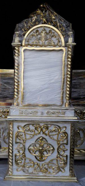 Киот на подставке с золочением по резьбе 2.5м
