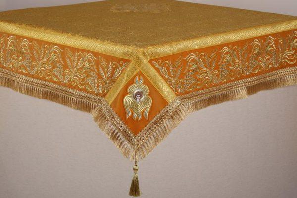 Скатерть вышитая на престол или жертвенник с золотом