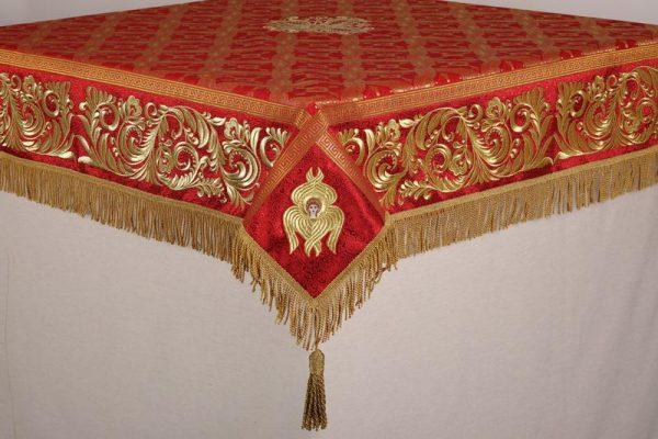 Скатерть вышитая на престол или жертвенник красное с золотом
