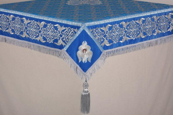 Скатерть вышитая на престол или жертвенник (голубая с серебром)