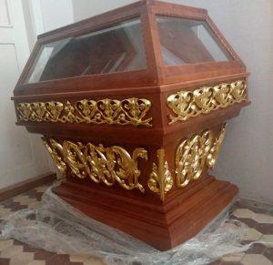 Малая резная гробница под плащаницу с позолотой 100х60см