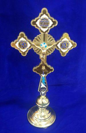 Напрестольный крест на подставке