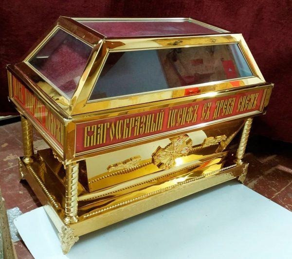 Гробница из металла с литьем под плащаницу Христа