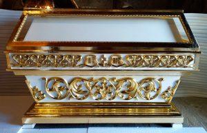 Средняя резная гробница с золочением 150х70см