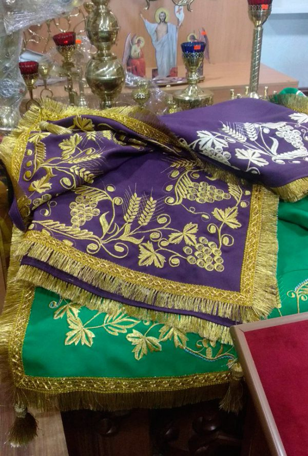 Скатерть с вышивкой на заказ ( габардин
