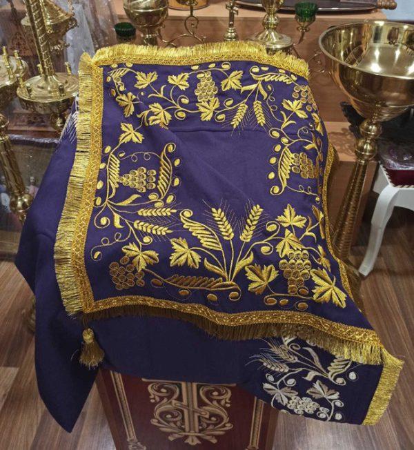 Скатерть церковная с вышивкой 105х70см (разные цвета)