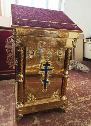 Аналой булатный с декором и крестом 60х60см