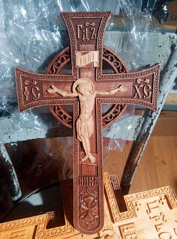 Крест напрестольный деревянный мальтийский