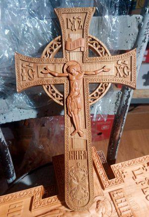 Крест церковный резной деревянный мальтийский