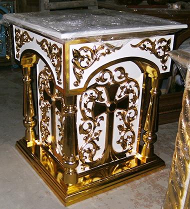 Панихидный стол из дерева с резьбой и позолотой (белый)