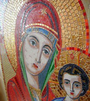 Большая икона Божией Матери из мозаики