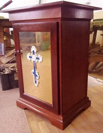 Тумбочка (жертвенник с дверцей на заказ)