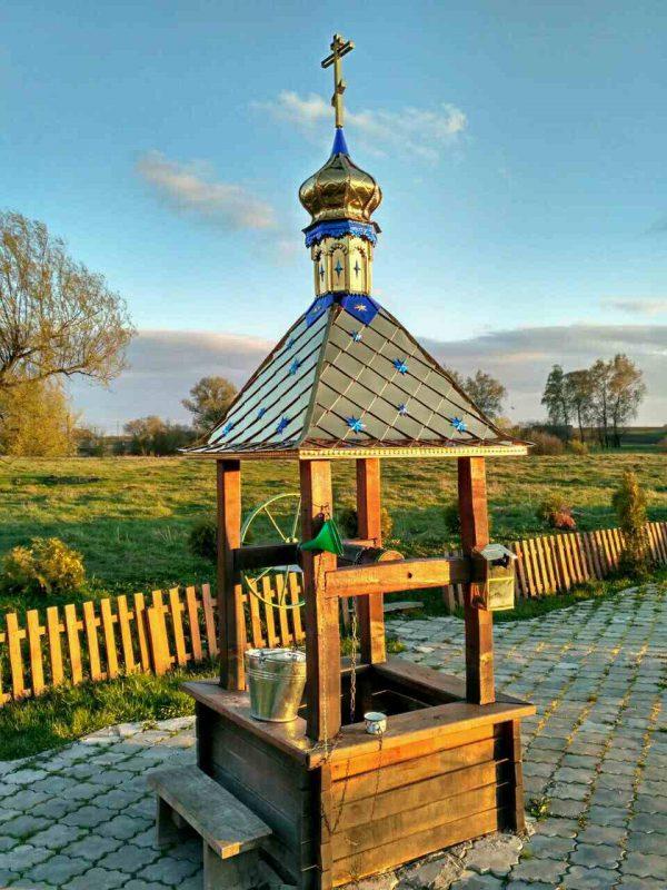 Крыша с куполом и крестом для колодца 1