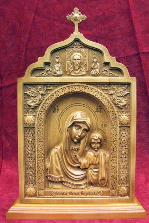 Центральная икона Пресвятая Богородица Казанская